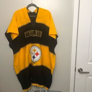 NFL Pittsburgh Steelers poncho black and gold